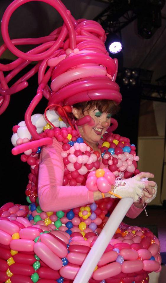 clown met ballonnenjurk